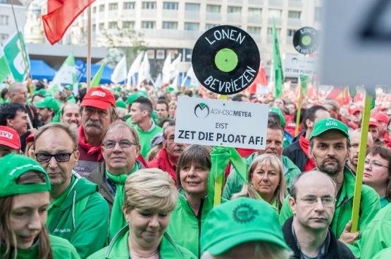 Le 23 septembre, 7000 délégués et militants syndicaux de toute la Belgique se sont rassemblés à Bruxelles pour lancer un premier avertissement aux coalitions gouvernementales d'austérité du pays. (Photo Solidaire, Karina Brys)