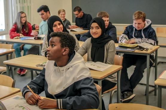 Neuf jeunes de la maison de jeunes Chicago, située dans un quartier populaire de Bruxelles, sont partis voir comment le système éducatif finlandais fonctionnait...  (Photo Solidaire, Bruno Bauwens)