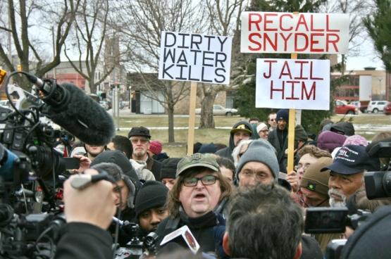 Le réalisateur progressiste Michael Moore, lui-même originaire de Flint, a lancé une campagne pour faire arrêter le gouverneur Rick Snyder, responsable du scandale. (Photo Nadia Koontz)