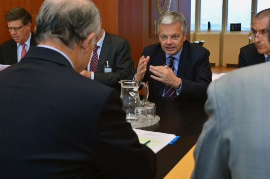 Avant sa charge ministérielle, Didier Reynders était administrateur du centre de coordination de Carmeuse (multinationale de la famille belge Collinet, 9e fortune de Belgique) et donc très sensible à la cause des multinationales. (Photo IAEA/Flickr)