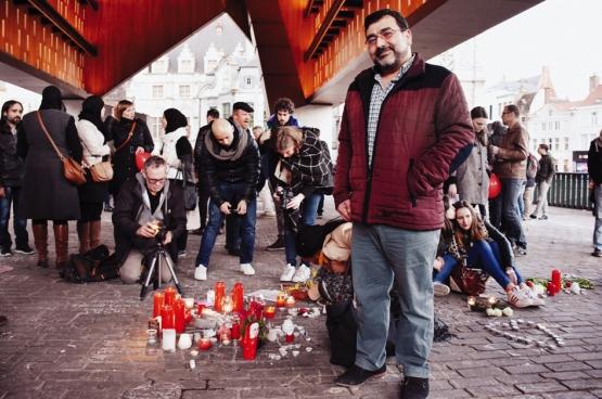 """«C'est à moi, à tous les musulmans, à tous les Belges, de prouver notre unité en descendant dans la rue et en criant """"halte"""" à cette haine et à cette division». (Photo Solidaire, Geertje Franssen)"""