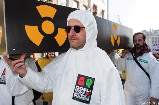 Le lobby de l'énergie nucléaire essaie de convaincre les gens que rien n'est plus sûr qu'une centrale nucléaire… «alors que rien ne menace plus la sécurité que l'énergie nucléaire», selon Marc Alexander, militant écologiste. (Photo Solidaire, Karina Brys)