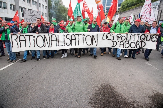 Le 24 mai, les travailleurs des services publics étaient déjà nombreux à manifester dans les rues de Bruxelles. (Photo Solidaire, han Soete)