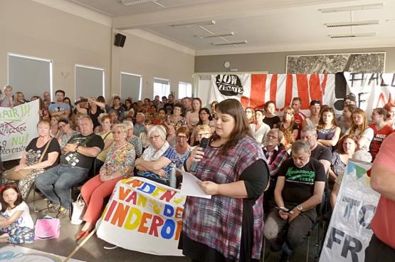 Het besparingsbeleid van de burgemeester bracht protestbewegingen uit verschillende hoeken samen. (Foto Niki Blondeel)