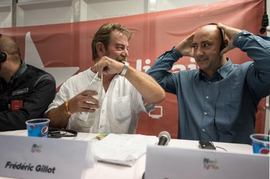 Frédéric Gillot (ex-délégué à ArcelorMittal Liège) et Gaby Colebunders (ex-délégué à Ford Genk). (Photo Solidaire, Karina Brys)