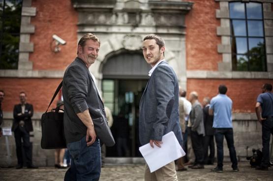 Frédéric Gillot (à gauche) et Ruddy Warnier (à droite) sont les deux députés wallons du PTB. L'un était sidérurgiste, l'autre chauffagiste, ce qui fait d'eux des exceptions au sein de l'assemblée. (Photo Solidaire, Salim Hellalet)
