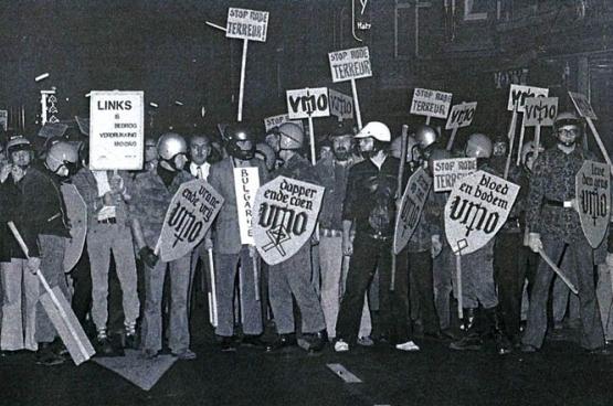 Une manifestation du VMO à Louvain en 1975. Quelques années plus tard, le groupe était interdit en tant que «milice privée». (Photo Anti-fascistisch Front)