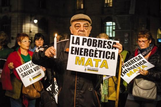 Un rassemblement à Barcelone: «La pauvreté énergétique tue.» (Photo Nacho / Flickr)