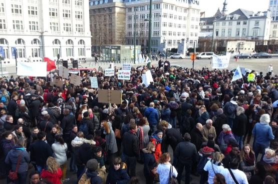 Action du monde associatif contre l'érosion du secret professionnel le 16 février 2017 à Bruxelles. (Photo Solidaire, Ivo Flachet)