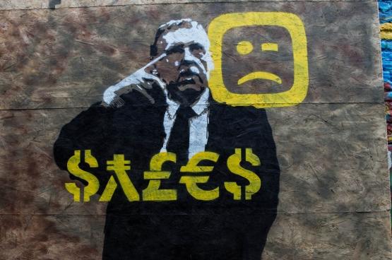 Embourbé dans les scandales Publipart et Telenet, Siegfried Bracke a perdu de sa crédibilité auprès du grand public. Au point qu'il s'est retiré comme future tête de liste pour les élections communales à Gand. De quoi inspirer des artistes de rue... (Photo Solidaire, Dieter Boone)