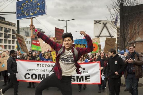 Le 20 mars 2016, 25000 personnes ont participé à la Grande Parade. (Photo Solidaire, Evy Menschaert)