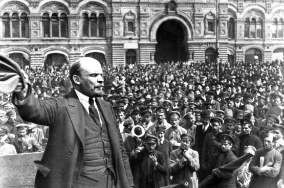 Discours de Lénine du 20 mars 1920 sur la place du théâtre du Bolchoï à Moscou.