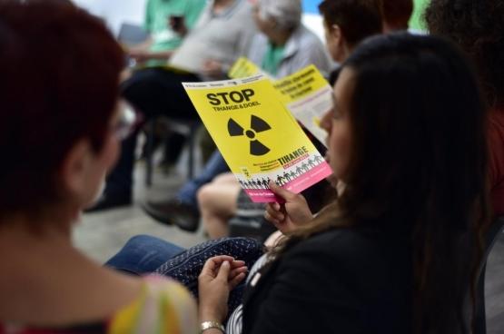 Fin juin, plus de 50 000 personnes ont manifesté pour la fermeture des centrales nucléaires. Et l'opposition aux armes nucléaires est encore bien plus large. (Photo Solidaire, Antonio Garcia Gomez)