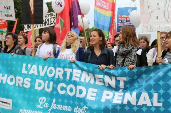 Ce 28 septembre, Journée internationale pour le droit à l'avortement, 2000 personnes ont manifesté à Bruxelles. (Photo Solidaire, Dieter Boone)