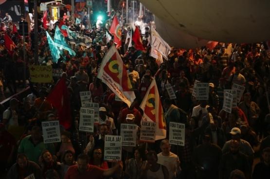 Les manifestants veulent le départ de Temer. Ils protestent contre les réformes du marché du travail et de la sécurité sociale (ici, à Sao Paulo). (Photo Paulo Pinto/Flickr)