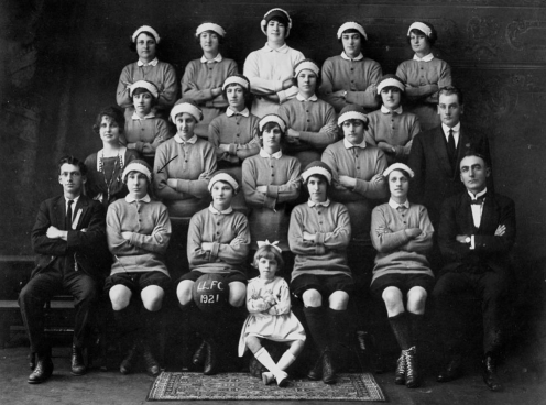 Latrobe Ladies' football Club, 1921 (State Library of Queensland / Flickr)