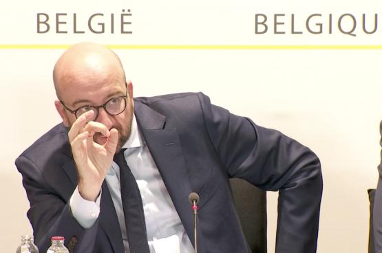 La semaine dernière, Charles Michel présentait l'accord gouvernemental d'été et son « jobs deal ». Au nom des métiers en pénurie, le gouvernement nous vend de nouveaux reculs sociaux. (Capture d'écran RTBF)