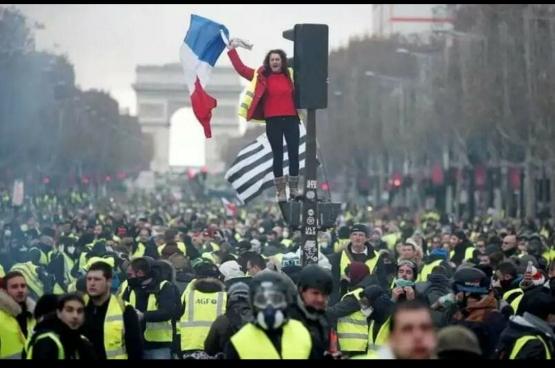 Manifestation des gilets jaunes à Paris. (Photo Flickr/KRIS AUS67)