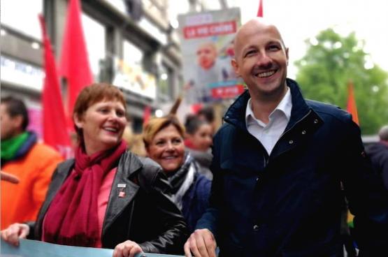 Au Premier Mai à Liège avec Alice Bernard (tête de liste à la Région). (Photo Solidaire, Sophie Lerouge)