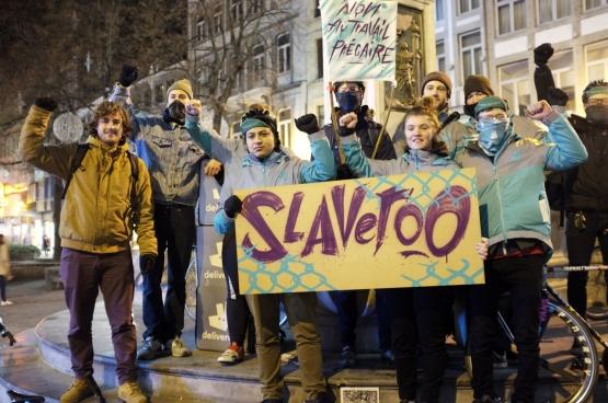 Durant l'hiver 2018, la plate-forme Deliveroo a été touchée par un mouvement de grève dans plusieurs villes. Une première en Belgique (Photo Solidaire, Antonio Garcia-Gomez).