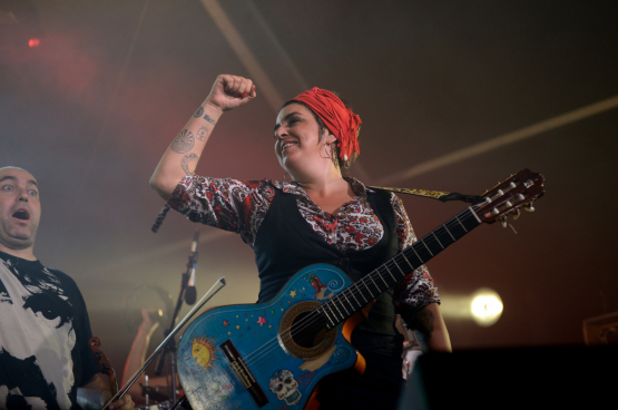Amparo Sanchez, musicienne révolutionnaire. (Photo Herri Bizia)