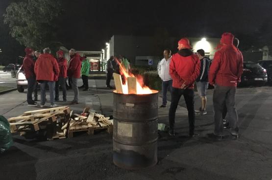 Chez Bekaert, les ouvriers et les employés ne se laissent pas faire, et ils en sont fiers. (Photo Solidaire)