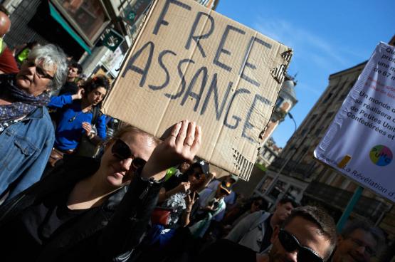 Partout sur la planète, des manifestations ont lieu pour demander la libération de Julian Assange. (Photo Belga)