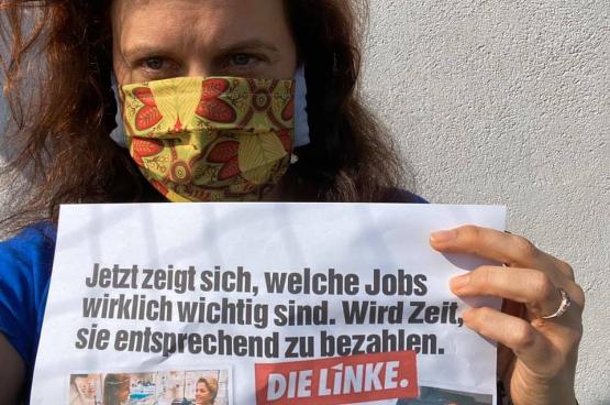 """""""Maintenant, on voit clairement les emplois qui comptent vraiment. Il est temps de les payer correctement"""". (Photo Franziska Wöckel, Facebook)"""