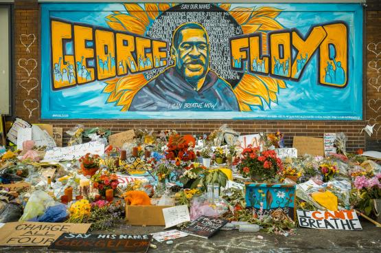 La mort de George Floyd a provoqué une vague d'émoi et des actions de protestation dans le monde entier. Ici, un mémorial à Minneapolis. (Photo: Chad Davis, Flickr)