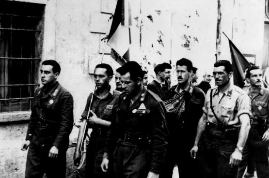 Des partisans italiens à la Libération. (Photo Carlo-Maria)