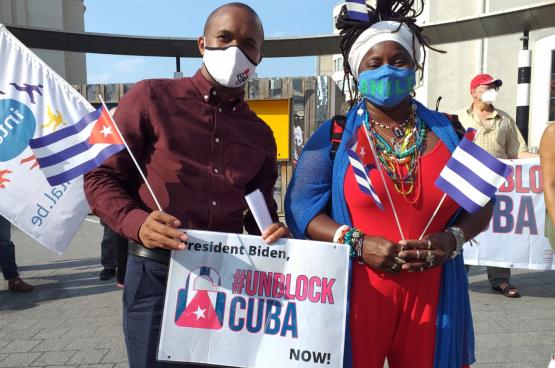 Les appels à la fin du blocus US contre Cuba sont nombreux partout dans le monde. Comme ici en juillet dernier à Bruxelles. (Photo Solidaire)